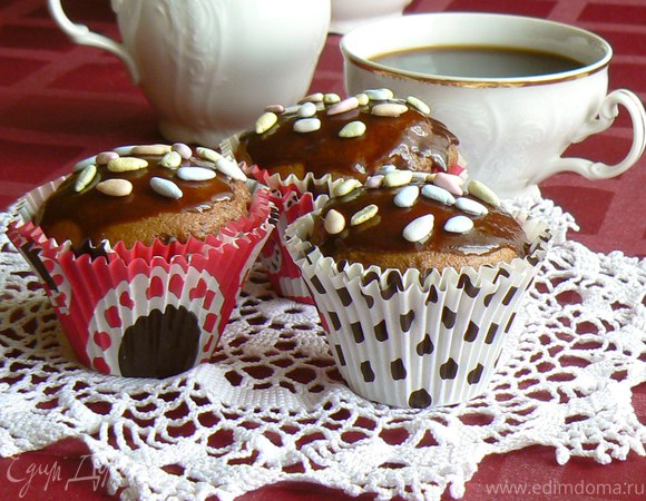 Шоколадные кексы с брусникой