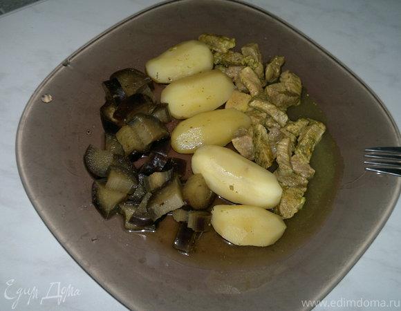 Картофель с баклажаном и свиная лопатка с кориандром и куркумой