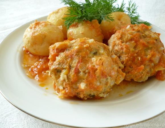 Куриные тефтельки, запеченные с молодым картофелем
