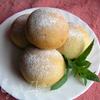 Творожные булочки с мятным сиропом