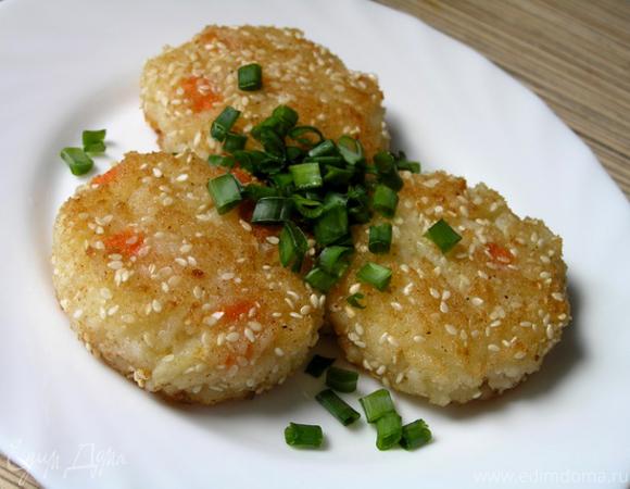 Рисовые котлетки в кунжутной панировке
