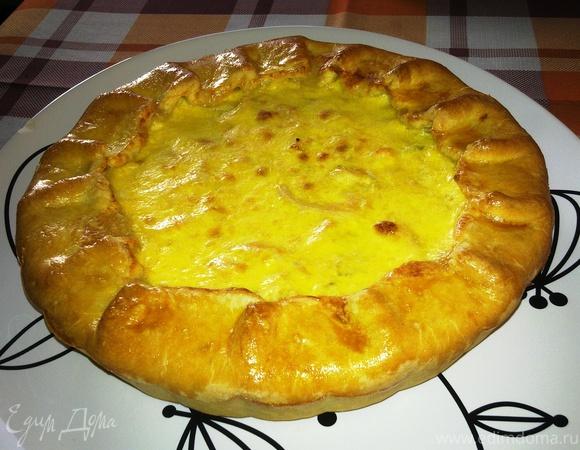 Пирог с курицей и сырной заливкой