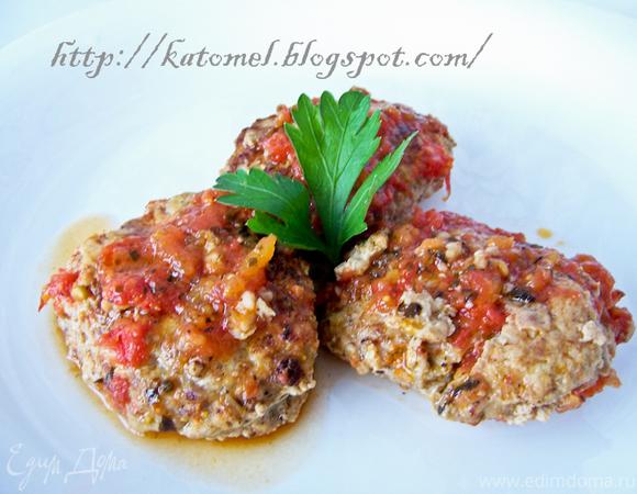 Кабачково-мясные котлеты в томатном соусе