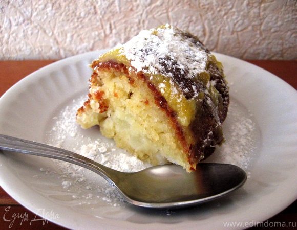 Нежный кекс с яблоками и лимонным заварным кремом
