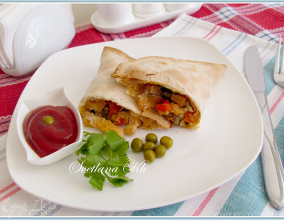 Кесадилья с курицей и мексиканской смесью овощей