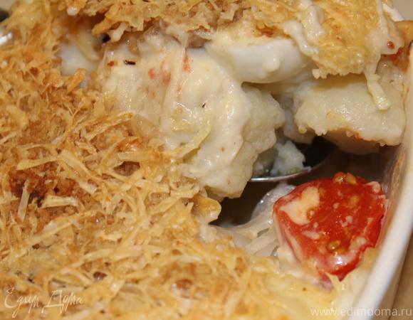 Цветная капуста с фундуком и перепелиными яйцами под сырной корочкой