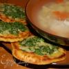 Арепас де кесо (кукурузные лепешки с сыром)