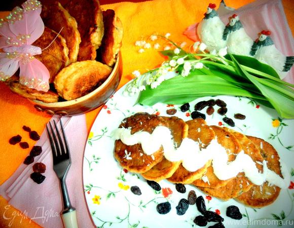 Оладушки с морковкой, дыней и изюмом