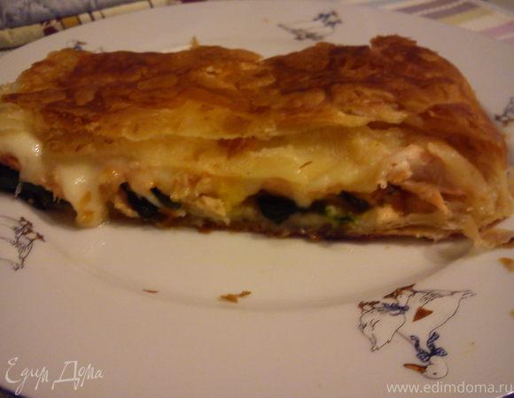 Пирог с семгой и шпинатом