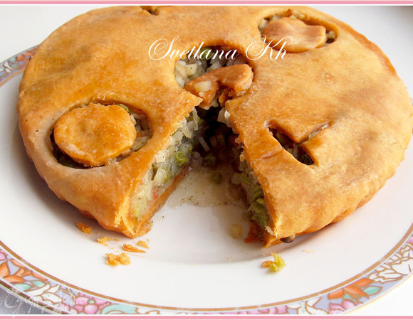 Постный пирог с картофелем на томатном соке
