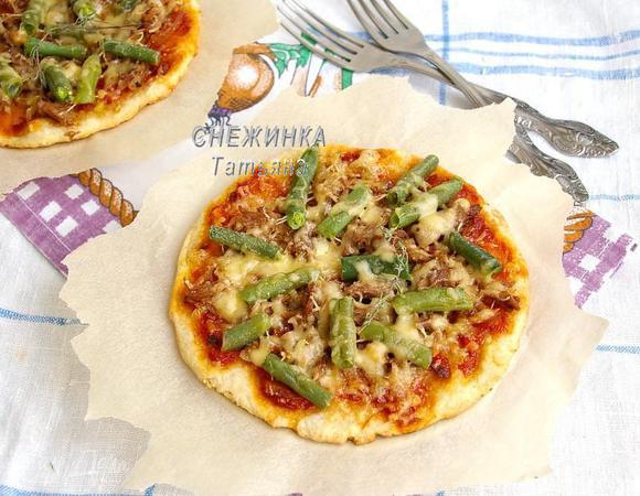Домашние творожные лепешки с мясом, овощами и сыром