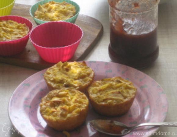 Кукурузные маффины с яблоками и корицей