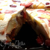 Торт-желе с ананасами и клубникой