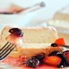 """Бисквит на белках """"Пища Ангелов"""" с ягодным соусом"""
