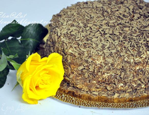 Шоколадно-сливочный торт с карамельным кремом