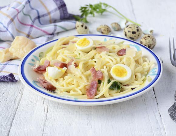 Паста с перепелиными яйцами и сыром Джюгас