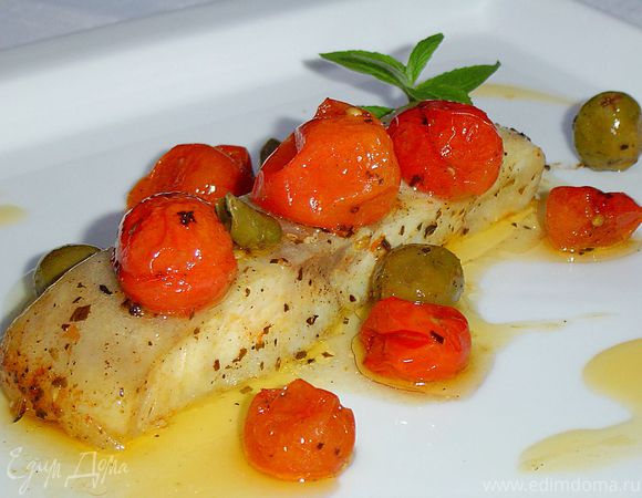 Рыба по итальянски, запеченная с томатами, оливками и каперсами