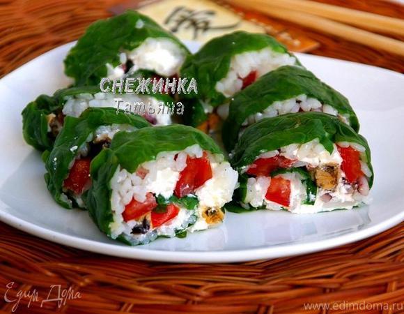 Рулет из шпината с рисом и морепродуктами