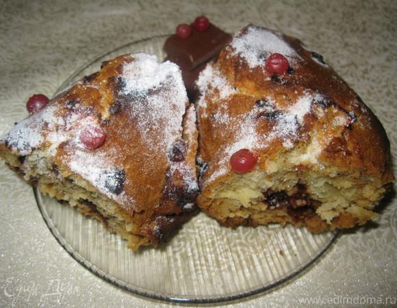 Ванильный кекс с шоколадом и брусникой