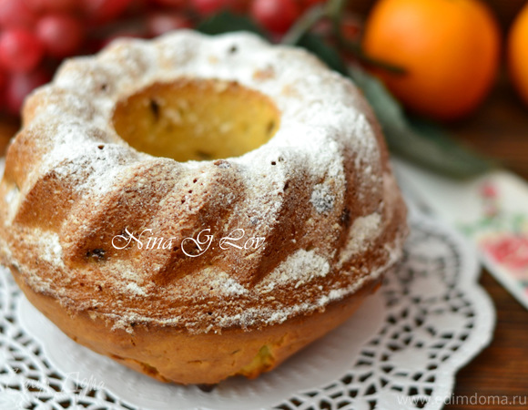 Пушистый ванильный кекс с миндалем и кусочками шоколада