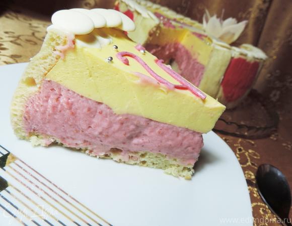 "Торт ""Клубничное сердце"""