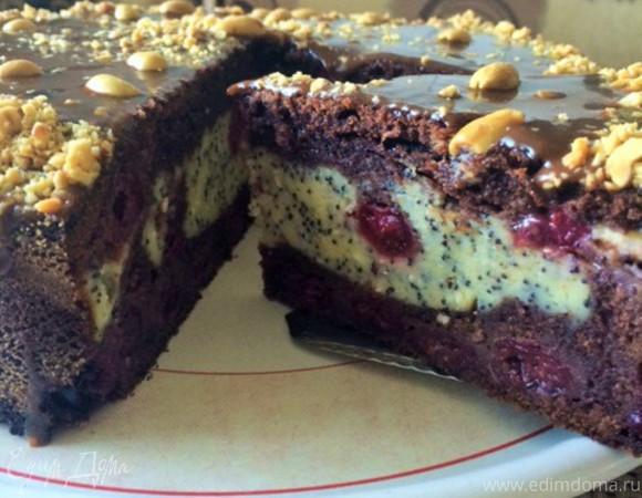 Шоколадно-вишневый пирог с творожно-маковой начинкой