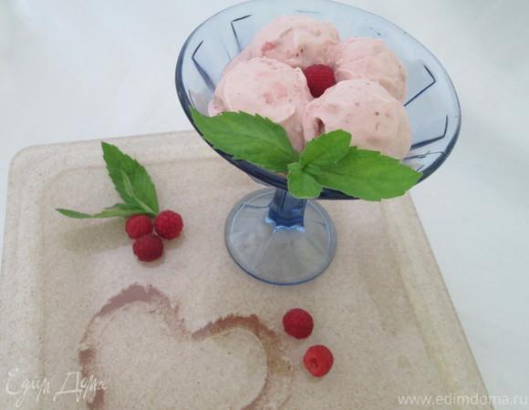 Малиново-имбирный сорбет и мороженое