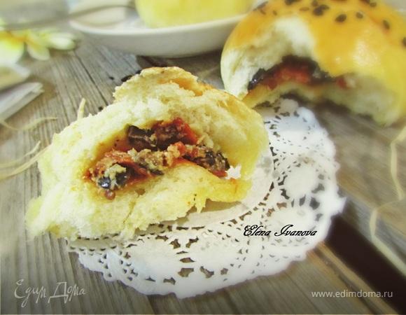 Итальянские булочки с томатами и сыром