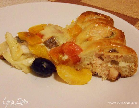 Пирог с лососем и моцареллой
