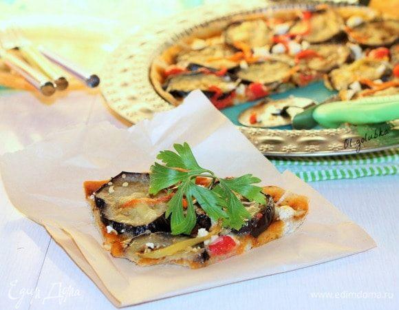 Пицца с баклажаном и жгучим томатным соусом