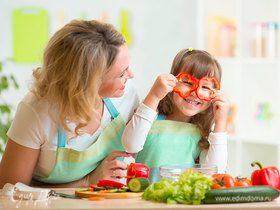 Стоит ли учить ребенка готовить и как это сделать