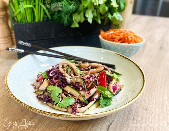 Олег жарит! Азиатские закуски: морковь по-корейски и салат с кальмарами