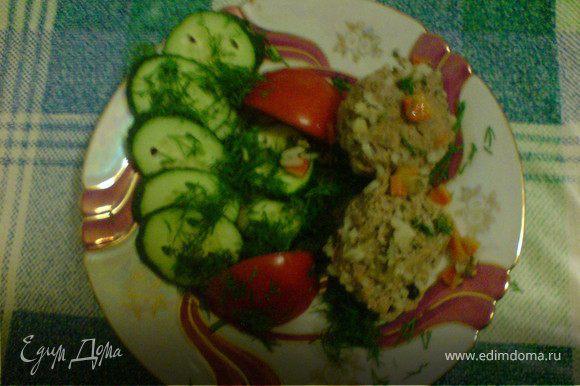 варить 30 мин на умеренном огне,при подаче добавить свежие овощи и зелень