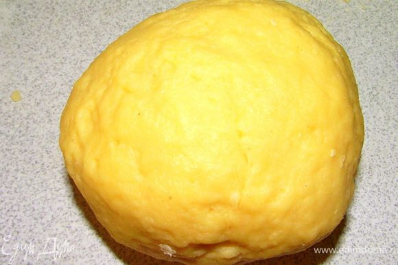Убрать тесто в холодильник на 2 часа. Займёмся глазурью.