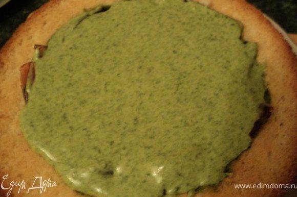 Залить крем-суфле в конусы ( в каждый отдельно) и поставить в морозилку на 10мин до схватывания суфле.