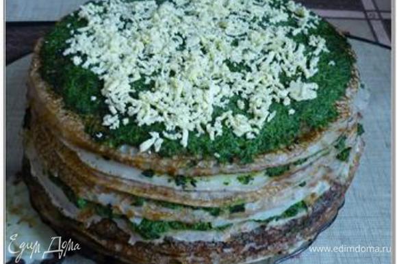 Блинный торт со шпинатом и селедкой
