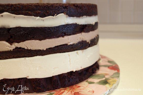 Повторяем шаг 11. Убираем торт часа на 3 в холодильник или на ночь. Достаём из формы.