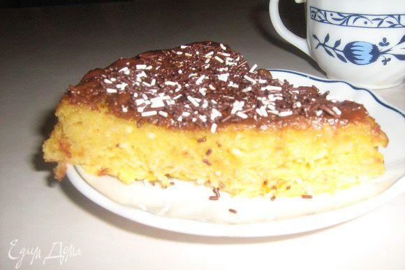 Вкуснейший, нежнейший тортик! При выпечке наполняет уютным ароматом всю квартиру. Наслаждайтесь. Приятного аппетита!
