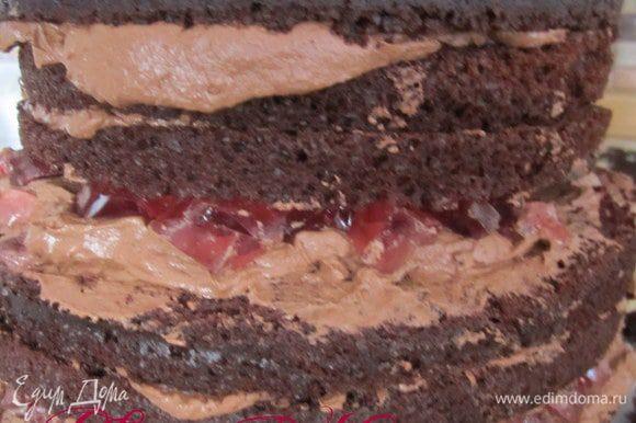 Тортик поставить в холодильник на 2-3 часика.