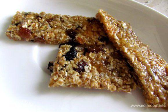 Нарезать на полоски или квадратики и наслаждаться полезным десертом.