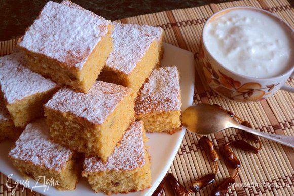 Готовый богач посыпать сахарной пудрой, порезать кусочками. Подавать с молоком, кефиром, сметаной, чаем! Приятного аппетита!