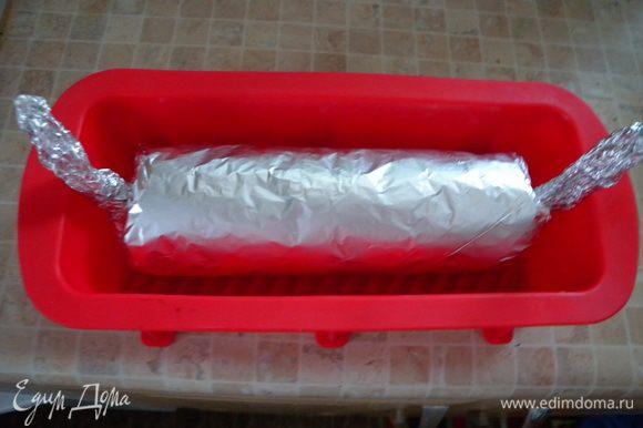 и в духовку... Сначала в плотно завернутой фольге выпекать.