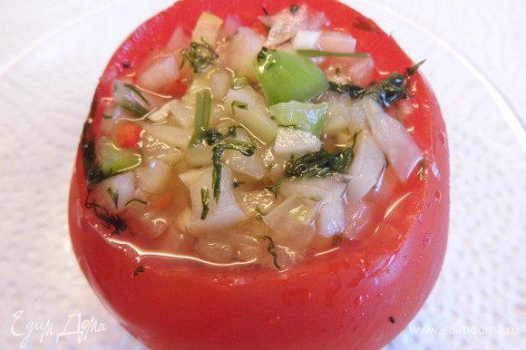 Малосольные помидоры хороши со свежей картошечкой. Приятного аппетита!