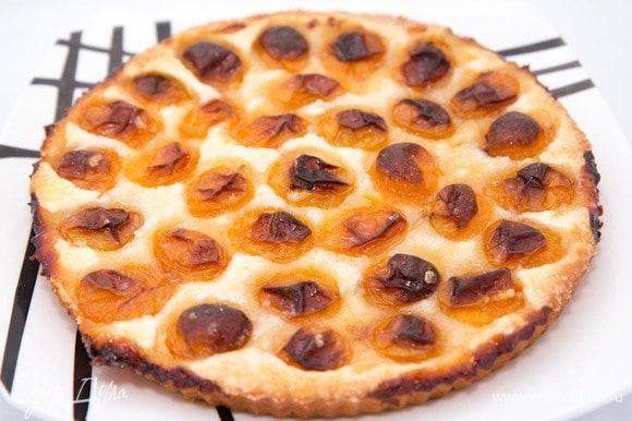Вынимаем пирог из духовки, дожидаемся пока остынет. Приятного аппетита :)