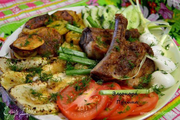 Подать всё на большом блюде и добавить огурец и помидор,посыпать всё укропом. За час наш обед готов)Приятного вам аппетита!!!