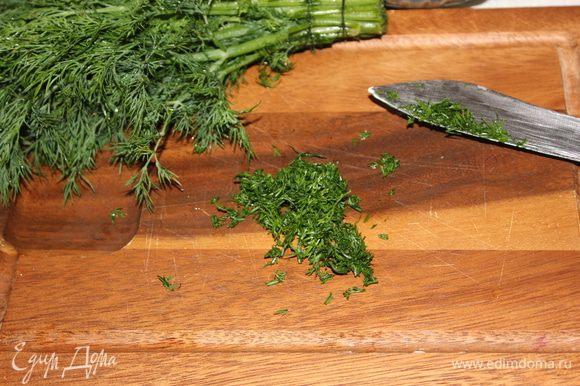 При подаче разлить суп по тарелкам и посыпать рубленной зеленью. Приятного и здорового вам аппетита!!!
