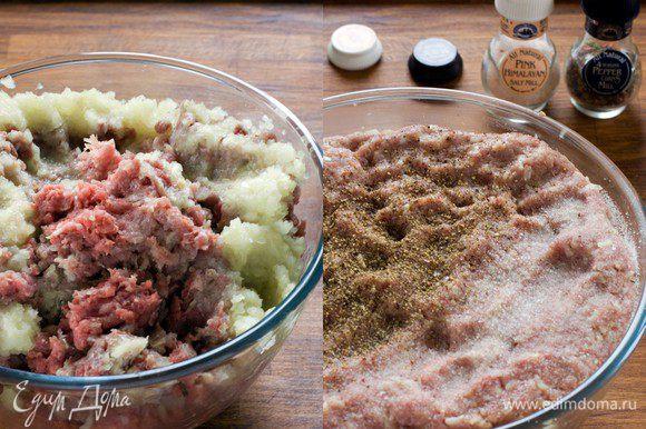 Готовим сами или покупаем мясной фарш. Можно свино-говяжий, можно курино-говяжий, это зависит от ваших предпочтений. В фарш добавляем соль, яйцо, пропущенный через чесночницу чеснок, мелко порезанный лук (или пропущенный вместе с фаршем на мясорубке), мелко порубленую зелень (по желанию), отварный рис. Солим, перчим, тщательно перемешиваем и оставляем готовый фарш в холодильнике, хотя бы минут на 15.