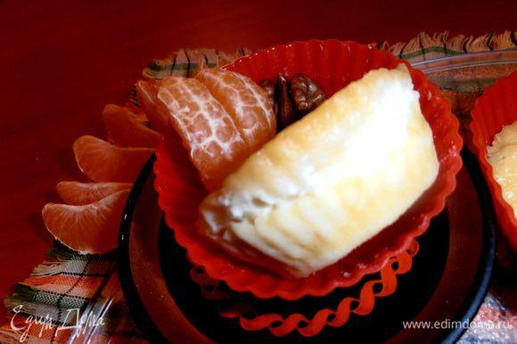 Вид сбоку (слои все сохраняются и кушать их очень удобно..., как пирожок!)