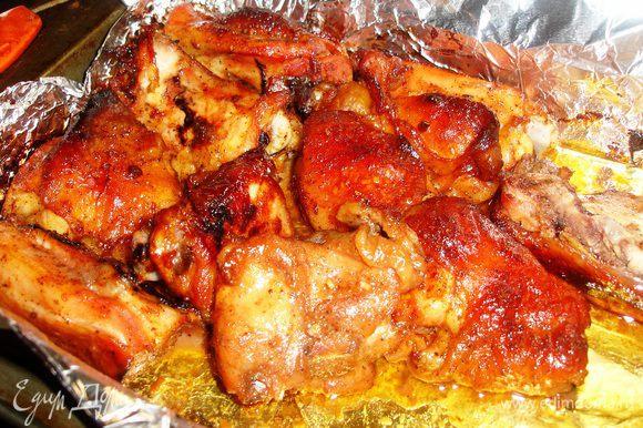 Курицу или окорочки режем на порционные кусочки .....