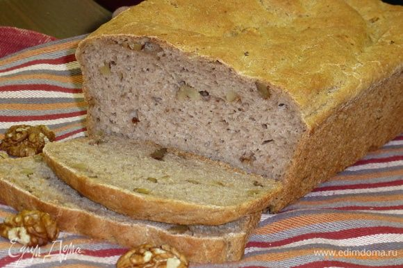 Из этого количества ингредиентов получается 800 граммовая булка. Готовый хлеб остужаем. А после наслаждаемся! Приятного аппетита!